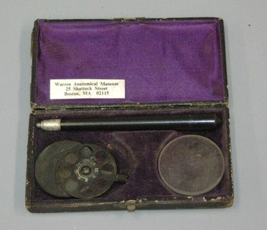 Loring ophthalmoscope, late 19th century, Warren Anatomical Museum in the Francis A. Countway Library of Medicine [21118]