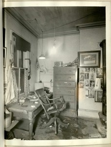 Crime scene interior from the Department of Legal Medicine records.