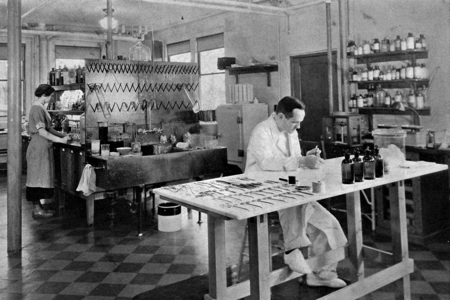 Free Hospital for Women, Fearing Lab, Olive and George Van Siclen Smith, circa 1934.