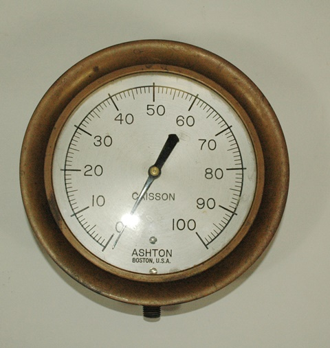 Pressure gauge from hyperbaric chamber, 1928. Warren Anatomical Museum in the Francis A. Countway Library of Medicine.